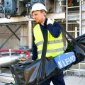La potence davit aluminium LEVO est transportable par une personne