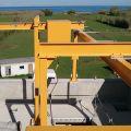Monorail sous portique