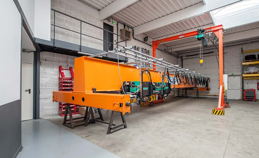 2 x 10 ton capacity lifting overhead gantry with wire rope hoists